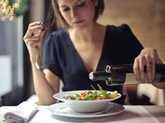 Miska ovesné kaše k snídani působí na tělo stejně jako léky na ... f1176ef349